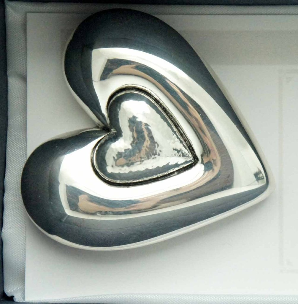 Silver heart shaped magnets