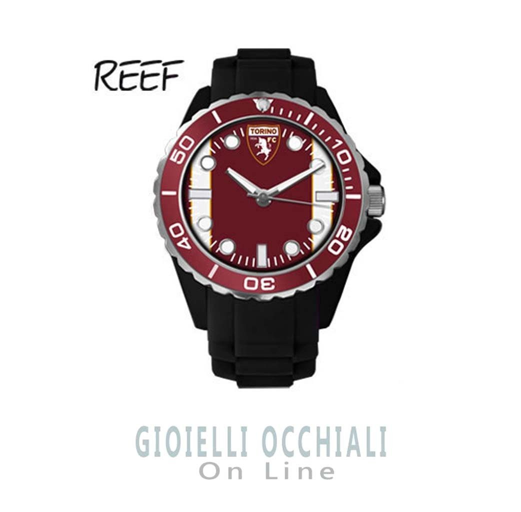 Men Watch Toro Reef