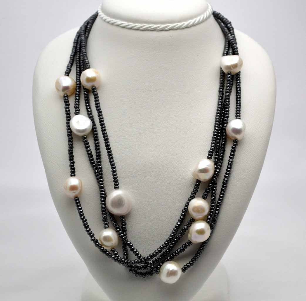 Baroque pearls necklace and hematite